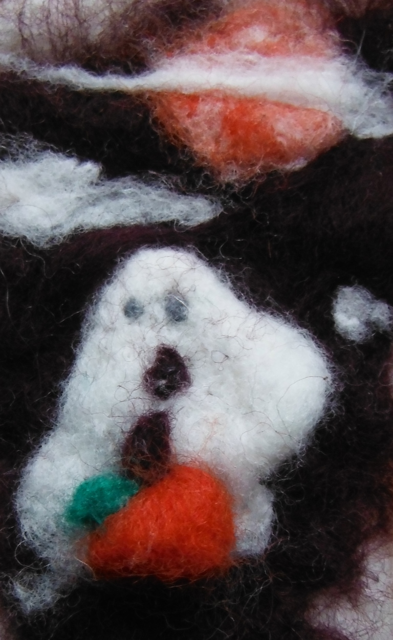 A halloween scene by the youngest :) Done by dry felting.